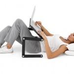 Снимка на масичка за лаптоп